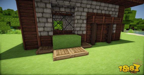 好了 搞定~ 內部的裝修嘛可以按自己的喜好搞,我只是想教一種建筑的思路,而不是學會了以后只能照著做個一樣的 以上就是我的世界簡單精致的歐式小房子建造教學(6)全部內容,更多精彩請關注18183我的世界專區,或者到百度上搜索18183我的世界,第一時間掌握Minecraft我的世界動態! 更多精彩視頻盡在我的世界視頻站>>>>